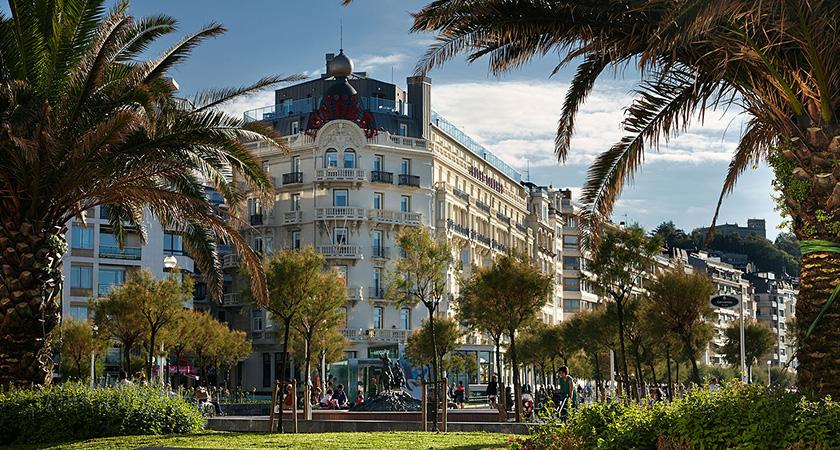 outdoor, hotel londres, design, stretegy design, interior design, space design, future luxury